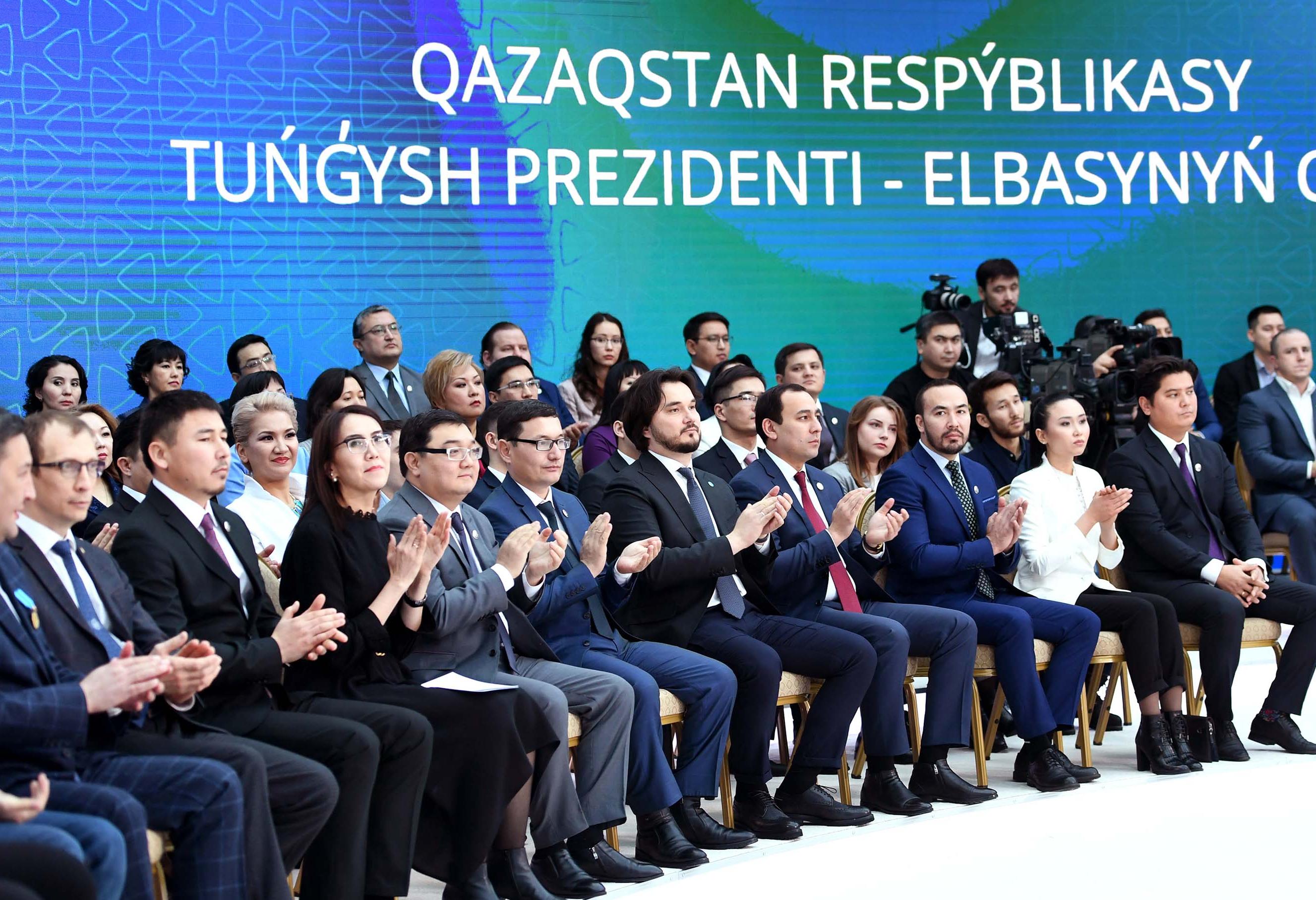 Elbasy Tuńǵysh Prezıdent Qory Syılyǵynyń laýreattary jáne Qazaqstannyń talantty jastarymen kezdestі