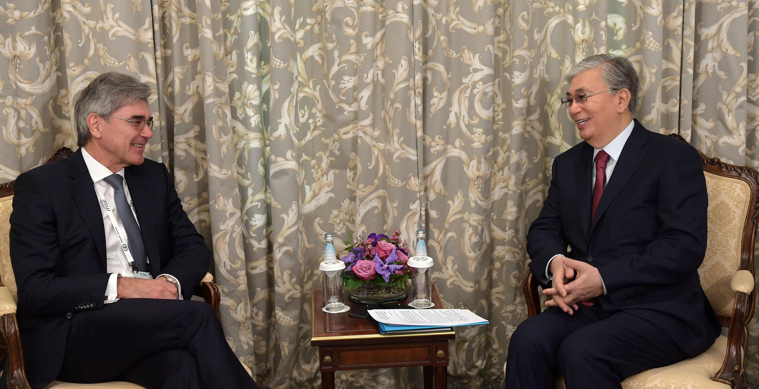 Мемлекет басшысы «Siemens AG» компаниясының атқарушы директоры Джо Кэзермен кездесті