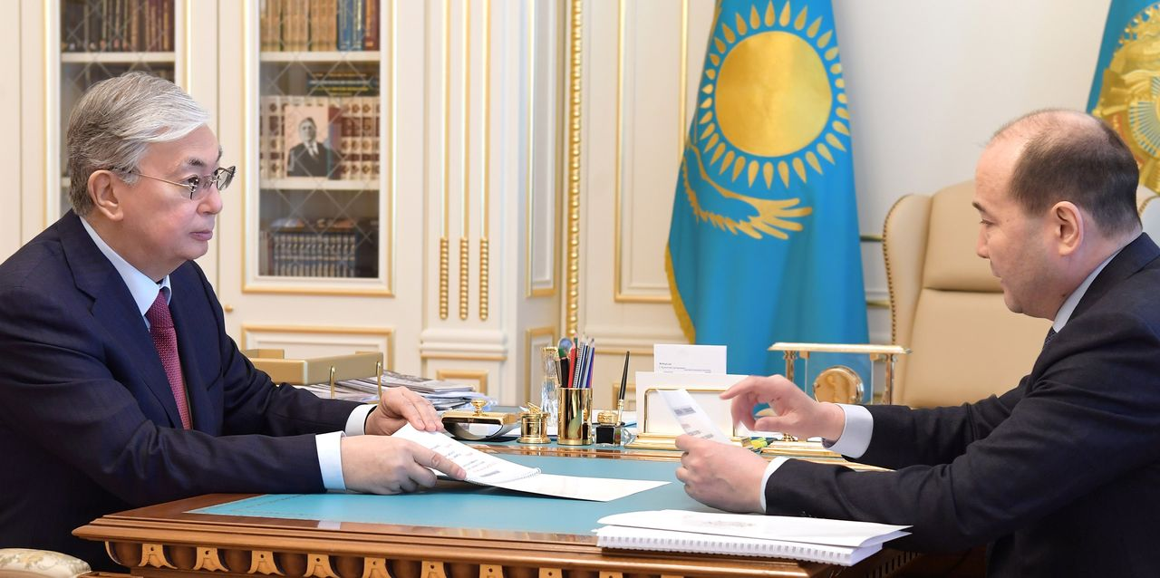 Глава государства принял Генерального прокурора Гизата Нурдаулетова