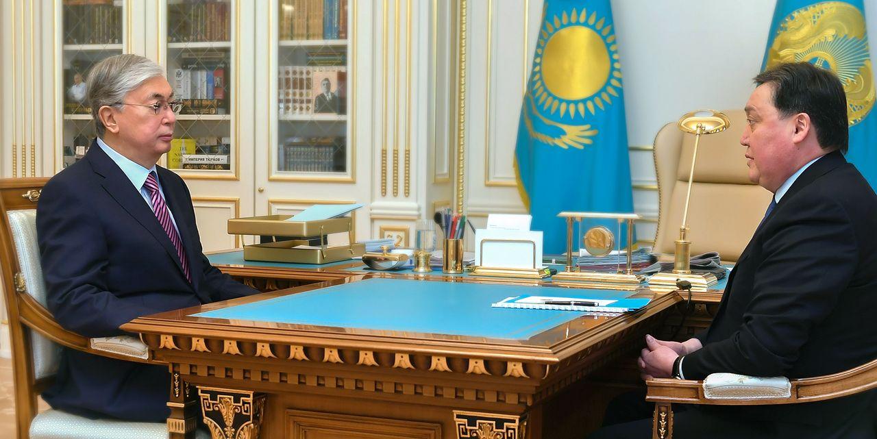 Мемлекет басшысы Премьер-Министр, Төтенше жағдай режимін қамтамасыз ету жөніндегі мемлекеттік комиссия төрағасы Асқар Маминді қабылдады
