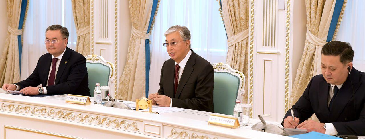 Қазақстан Президенті Қытай Компартиясы ОК Саяси бюросының мүшесі Ян Цзечимен кездесті