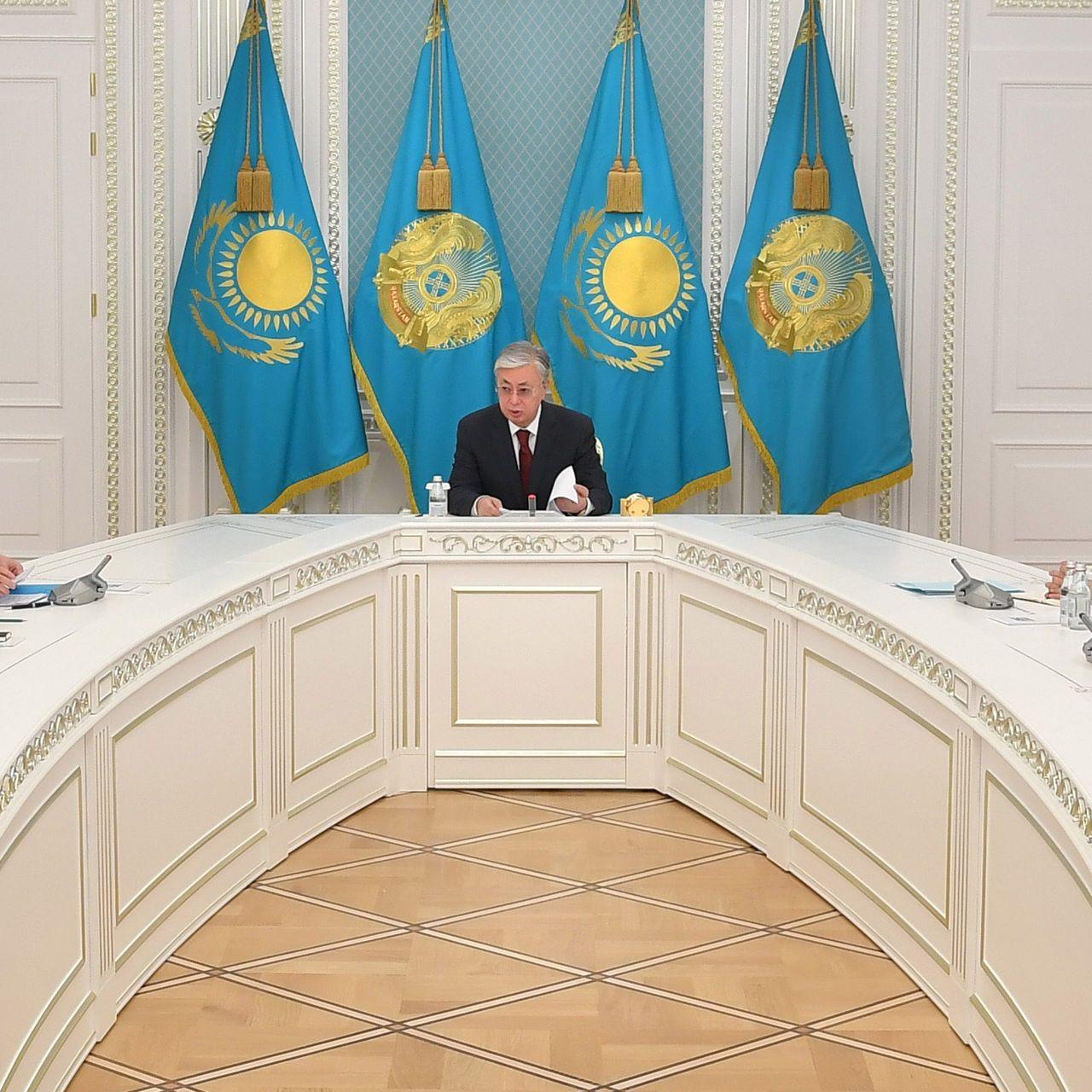Глава государства провел заседание Штаба оперативного реагирования