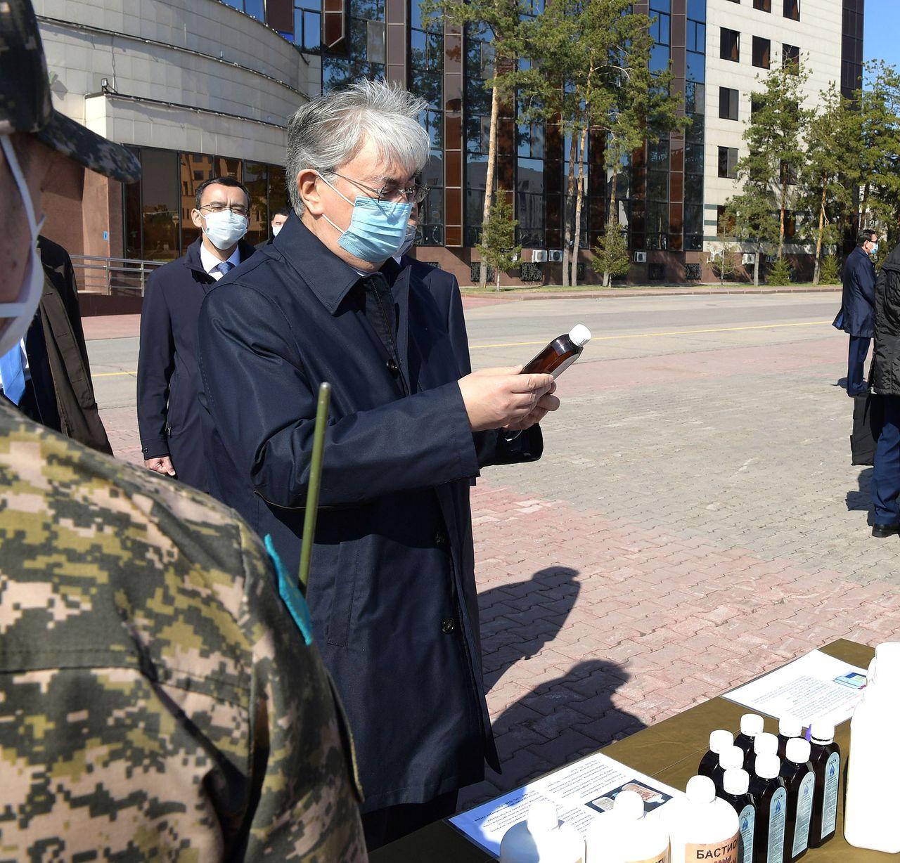Мемлекет басшысы аумақтық қорғаныс бригадасының әскери қызметшілерімен кездесті