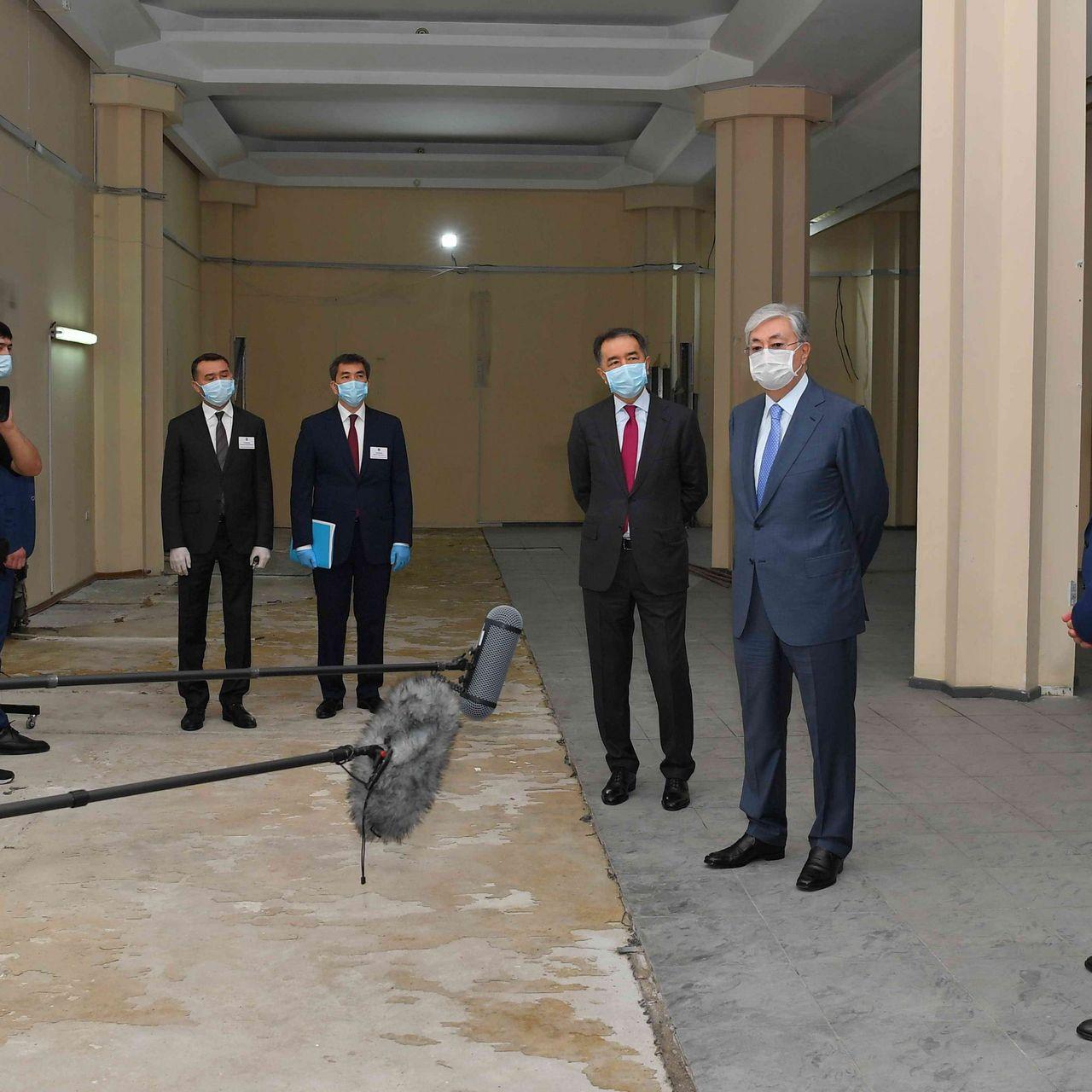 Қазақстан Президенті Әлеуметтік қызмет көрсету үйіне барды