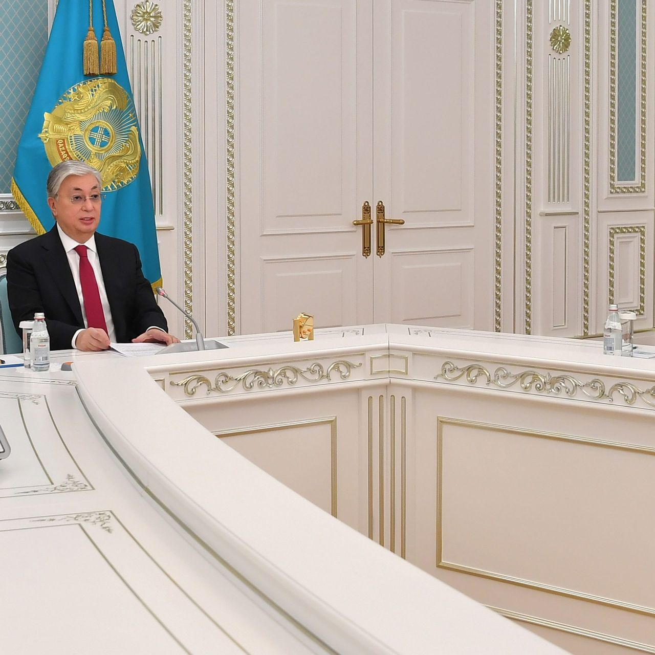 Мемлекет басшысы Еуропалық қайта құру және даму банкінің президенті Одиль Рено-Бассомен кездесті